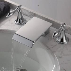 Rubinetto per lavabo Doppio manico Bagno Nero / Cromo rubinetto a cascata a tre fori Miscelatore per lavabo Rubinetto per lavabo con acqua calda e fredda XR8236