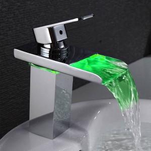 Rubinetti per lavabo Rubinetto per lavabo a cascata a LED per bagno Torneira Led finitura cromata Miscelatore per lavabo montato sul ponte LH-16808