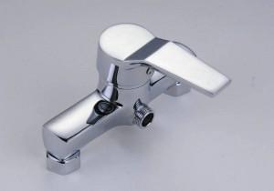 Rubinetto per bagno vasca da bagno fredda e calda con montaggio a parete doccia in rame rubinetto per doccia calda e fredda