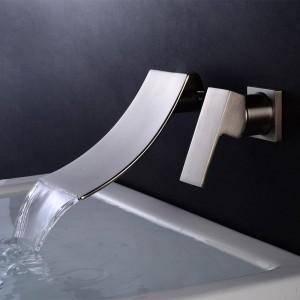Rubinetto per vasca Cromo / Ottone nero Montaggio a parete Cascata Rubinetto per bagno Bocca grande quadrata Miscelatore monocomando per lavabo A1007