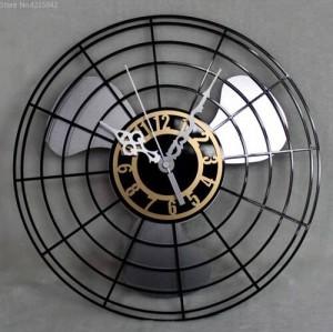 I prodotti più venduti Orologio da parete con ventilatore elettrico antico Orologio da parete con ventilatore retrò continentale Orologio da parete creativo da parete Muto