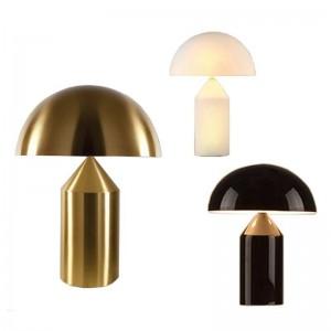 Lampada da tavolo moderna in ferro Lampada da scrivania creativa Lampada da lettura E14 110 V 220 V Lampada da ufficio con clip per studio decorazione casa d'arte