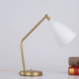 Breve lampada da tavolo moderna semplice scrivania luce nero bianco grigio colore oro corpo nordico lampada E27 camera da letto illuminazione casa arte decorativa