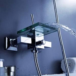 Rubinetto per vasca moderno con supporto a parete con beccuccio a cascata in vetro wf04
