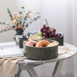 Cestino portaoggetti in metallo stile europeo fatto a mano vintage Frutti / pani piatti Ferro lamiera Tavolo Organizer Vassoio portaoggetti