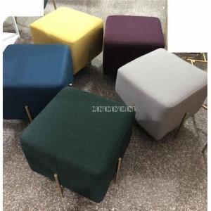 Tessuto di lino di stile europeo quadrato basso sgabello con gamba in ferro oro per soggiorno mobili divano pouf sgabello laterale poggiapiedi