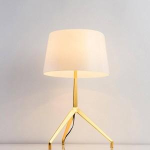 Fashion design nuovo Breve decorazione moderna lampada da tavolo lampada da tavolo camera da letto luce semplice lampada da tavolo decorativa domestica