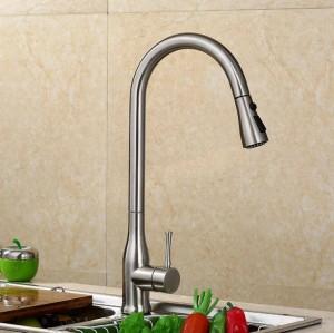 Estrarre il rubinetto della cucina rubinetto del lavandino rubinetto del lavandino caldo e freddo rubinetto rotante telescopico in rame LAD-60