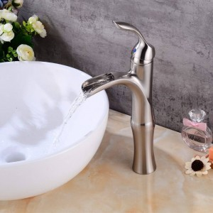 Rubinetto per bagno nichel spazzolato a cascata Miscelatore per lavabo alto nichel spazzolato rubinetto per lavabo a cascata Miscelatore LAD-404