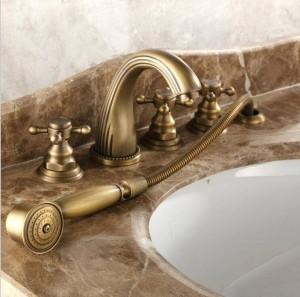 Rubinetto per vasca completo in rame caldo e freddo a cinque pezzi Miscelatore per doccia a cinque pezzi lato bagno in bronzo in stile europeo XR7034