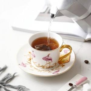 Set di tazzine e piattini da caffè in uccello rosa d'ossa di alta qualità con cucchiaio d'oro, grande capacità, tè pomeridiano, tazza da tè nero