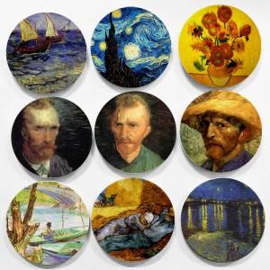 Il famoso pittore olandese Vincent Willem Van Gogh dipinge piatti decorativi in stile impressionismo per la decorazione domestica
