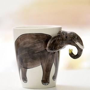 Tazza da caffè in ceramica animale Lekoch 3D Tazza da cervo bianca bianca dipinta a mano Tazza da latte da 400 ml Tazza da tè per regalo di Natale per la festa di compleanno