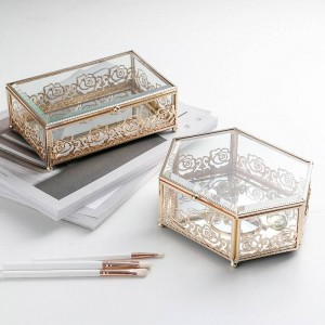 Contenitore di gioielli in ferro battuto placcato oro di lusso in vetro chiaro Scatola di immagazzinaggio desktop per camera da letto in pizzo creativo per la casa