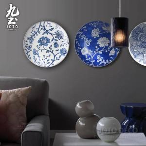 Murale moderno Appeso a parete Piatto decorativo Semplici linee geometriche Decorazioni per la casa stile giardino blu e bianco / nero Artigianato in ceramica