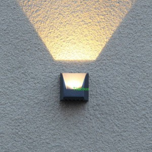 La moderna illuminazione esterna ha condotto la lampada da parete impermeabile. Lampada da esterno Ip65 ha condotto la lampada da esterno