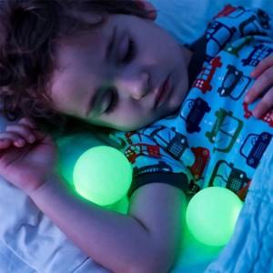 Forma a fungo 7 Sfumature di colore Magiche Luci notturne Sfere luminose Lampada da comodino a LED da comodino LED creativo Supporto Spina EU / US / UK / AU
