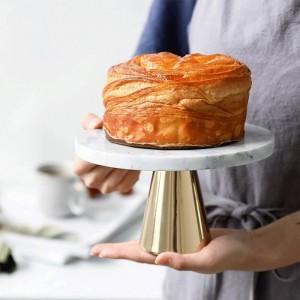 Pallet in marmo naturale Dessert per torta Piatto con piedini alti Decorazione per scaffale di esposizione per dessert di compleanno per matrimonio Vassoio per dessert Base in metallo