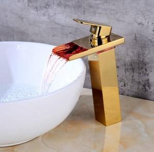 New European Gold / Black lavabo rubinetto bagno LED cascata rubinetto lavabo rubinetto rame caldo e freddo rubinetto Bagno A1015