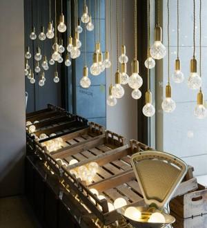 Nordic LED Lampada a sospensione semplicità Lampada a sospensione creativa in vetro fatto a mano Lampada a sospensione Light Art Decoration Lampadina a led G9 3W