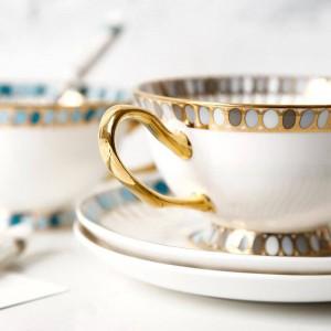 un piattino tazza di caffè ceramica inglese tè pomeridiano rosso tazza di tè piattino set tazza di caffè europeo confezione regalo