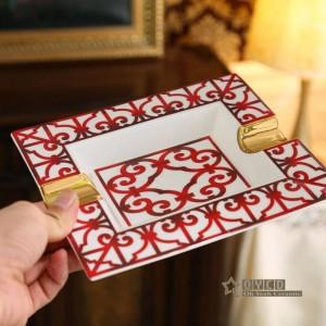Posacenere in porcellana rosso osso Caratteristiche disegno di contorno in oro forma rettangolare decorazione della casa forniture regali