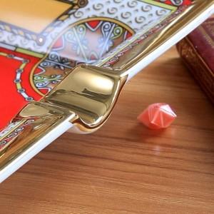 Posacenere in porcellana con disegno a forma di cavallo di cavallo con contorno di colore rosso in forma di rettangolo in oro posacenere portacenere sigaretta regalo d'affari