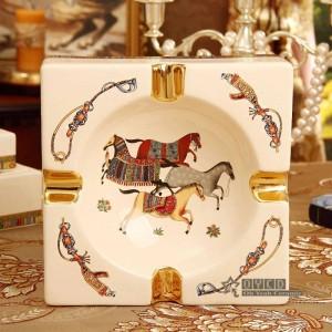 Posacenere in porcellana porcellana avorio 4 dimensioni dio cavalli design forma quadrata decorazione domestica forniture regali aziendali inauguranti