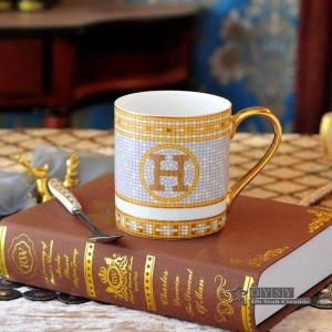 Tazza da caffè in porcellana tazza da tè bone the god cavalli design contorno in oro ceramica tazza da tè tazza da caffè tazza da latte le tazze giuste