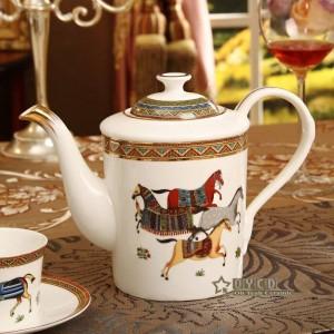 Set da caffè in porcellana con disegno di cavalli di osso di cavallo contorno in oro 15 pezzi set da tè europeo caffettiera set di piattini tazza da caffè