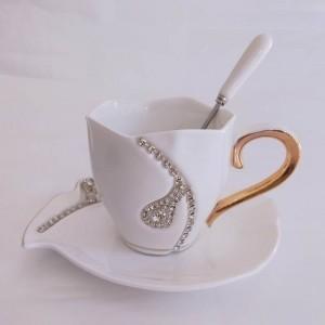 Diamanti Design Tazza da caffè Amanti regalo creativi Tazze da tè Tazze in ceramica 3D con tazze e piattini con decorazione in strass