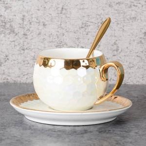 Tazze da caffè turco in ceramica con cucchiaio in acciaio inossidabile Intarsio in oro Tazze da caffè in porcellana Set di piattini Tazza da tè pomeridiano